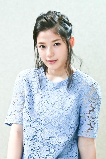 洋服が素敵な石井杏奈さん